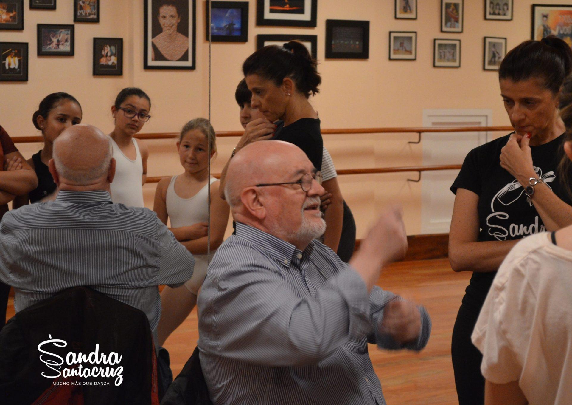 """Paco Matillas en el Centro de Danza Sandra Santa Cruz en los ensayos de la Zarzuela """"La Hija del Mestre"""""""